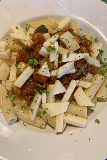 Pasta mit Zucchini-Auberginen-Tomatensauce