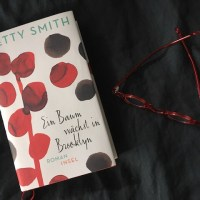 [Rezension] Betty Smith: Ein Baum wächst in Brooklyn