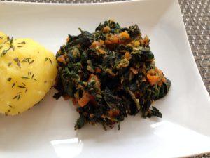 Brennessel-Gemüse mit Möhren und Ingwer, dazu Kräuter-Kartoffeln 2