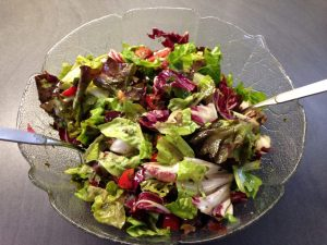 Herbstsalat mit Trauben und Walnüssen und Kürbiskernöl Feigenessig Dressing