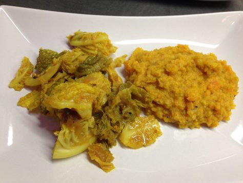 Wirsing mit Mango Chutney und Süßkartoffel Linsen Dal