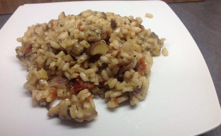 Risotto mit Austernpilzen und getrockneten Tomaten