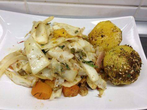 Weißkohl und Fenchel aus dem Ofen mit Orangen, Aprikosen, Walnüssen und Koriander
