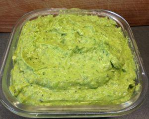 Avocado Dip mit Erbsen und Minze