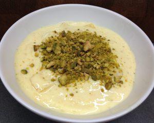 Mango Joghurt mit Safran und Pistazien