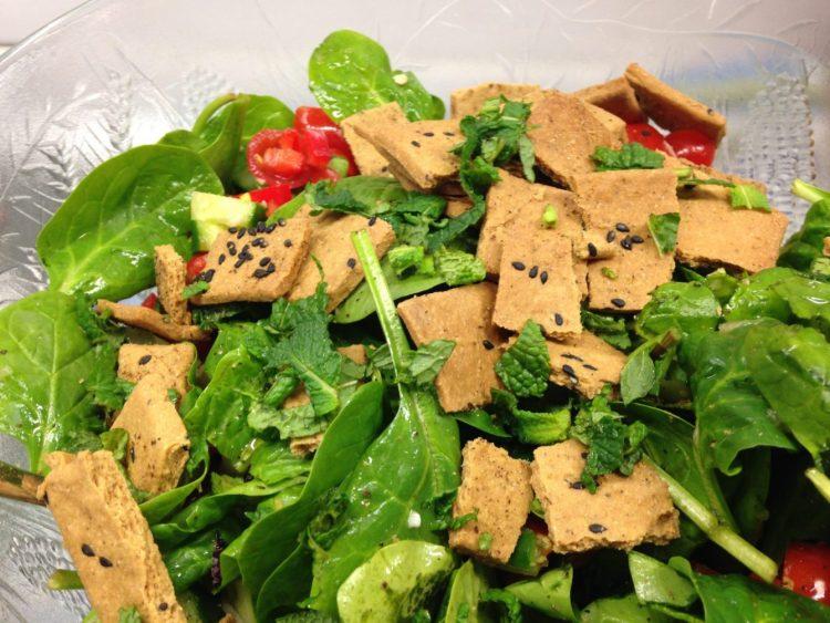 Arabischer Brotsalat Fattoush Salat mit Za'atar