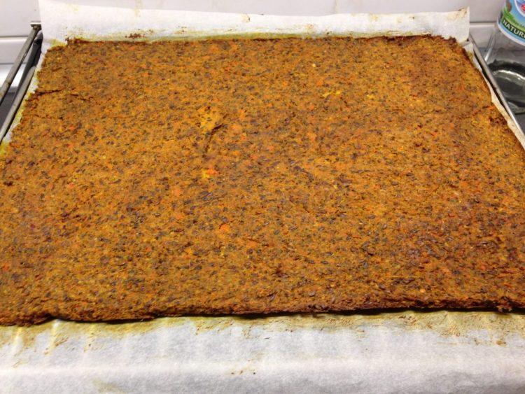 Rohkost Cracker aus Möhren und Leinsamen