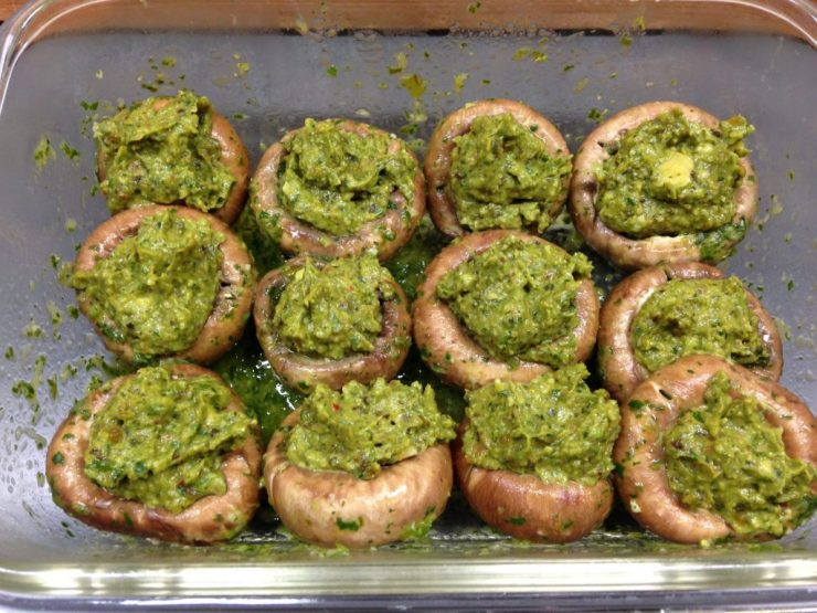 Champignons mit Pesto
