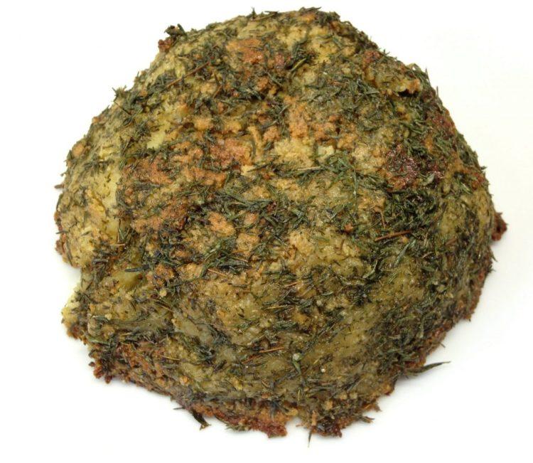 Veganer Käse: Feta aus Mandeln mit Ahornsirup und Thymian Öl