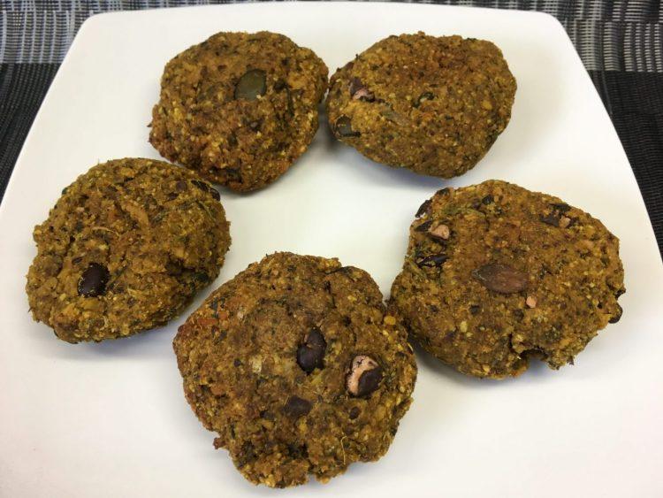 Veggy Burger aus Schwarzen Bohnen, Süßkartoffeln, Reis und Kürbiskernen