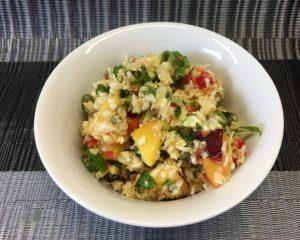 Spitzkohl Salat mit Nektarinen und Paprika Chili Dressing