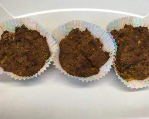 Tofu Muffins mit Zucchini, Paprika, Erdnuss und Curry