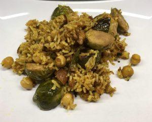 Gerösteter Rosenkohl mit Walnüssen und Curry Kichererbsen Reis