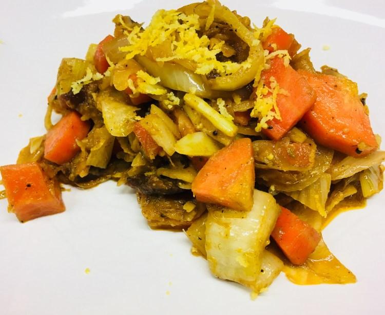 Möhren Fenchel Gemüse mit Aprikosen, Datteln und Harissa