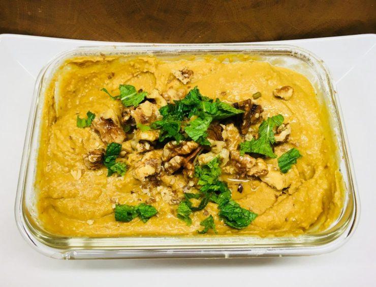 Kürbis Hummus mit Feigen und Walnüssen