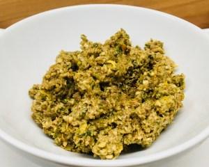 Oliven Walnuss Tapenade mit Orange und Petersilie