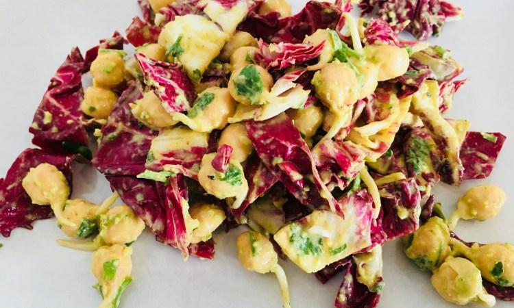 Kichererbsen Sprossen Salat mit Zitronen Ingwer Tahini Dressing