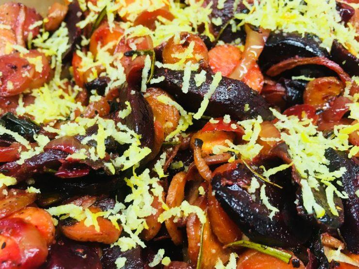 Beta Carotin Salat aus gerösteten Karotten und Rote Bete