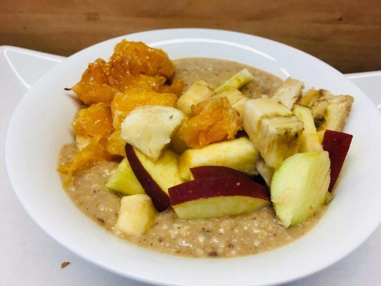Spekulatius Porridge mit Chili-Orangen, Apfel und Rosinen