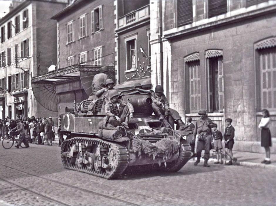 Cliché HL Blum. Libérateurs rue de Belfort. Septembre 1944