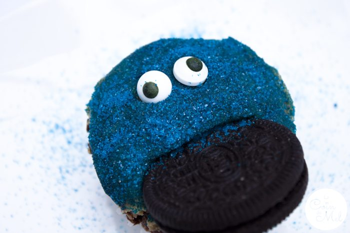 Oreo Peanut Butter Cupcakes - Beanie's Cookie Monster