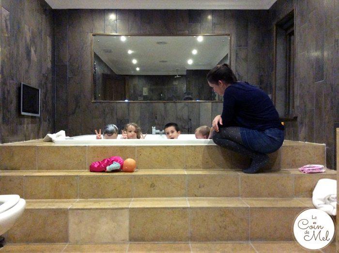 Perfect Manors Achnagairn - Stag Lodge - Bathroom..