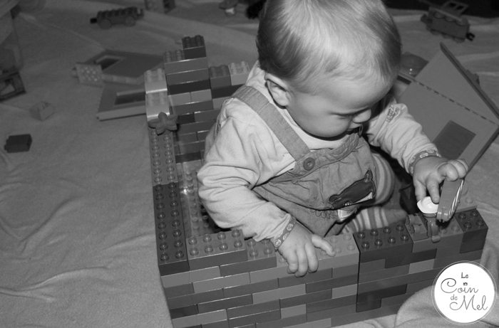 Crevette Using LEGO to Improve his Writing Skills - Beanie in her Duplo house