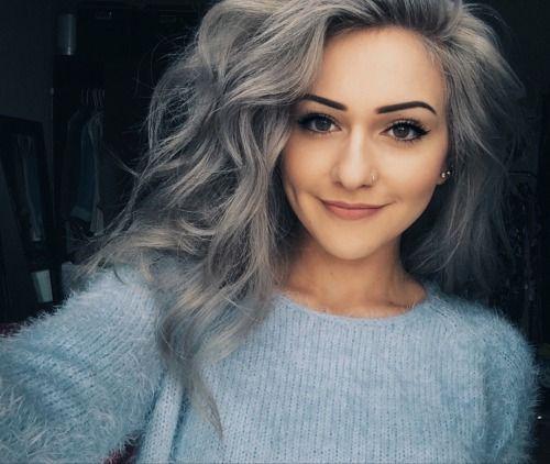 coloration cheveux gris argent coiffures populaires. Black Bedroom Furniture Sets. Home Design Ideas