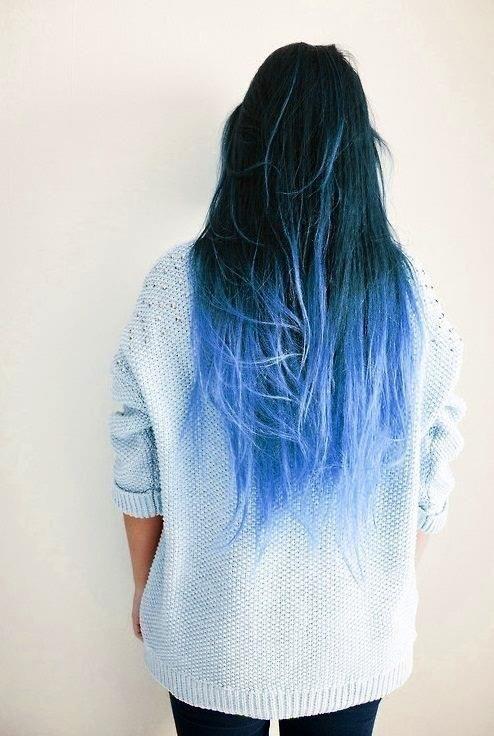Teinture a cheveux bleu