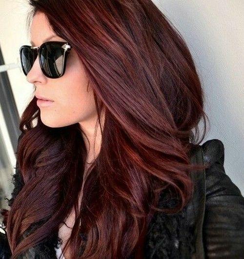Couleur cheveux acajou violet