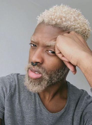 Teinture blonde sur cheveux noir homme