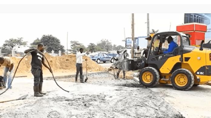 Pointe-Noire : la mairie expérimente les voies bétonnées pour faire face à la dégradation des routes
