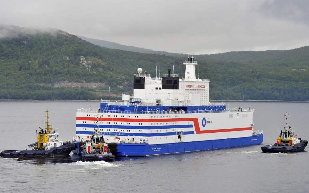Una centrale nucleare galleggiante è in rotta verso l'Artico