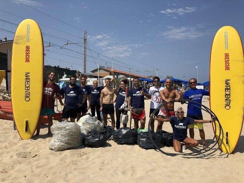 Plastic Free: in migliaia per pulire le spiagge italiane