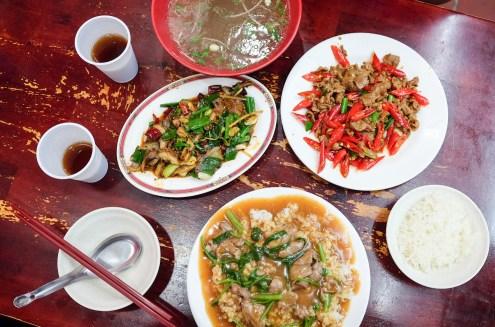 新竹市|阿桂羊牛雜 城隍廟附近 熱炒 營業到凌晨兩點 清湯紅茶白飯免費