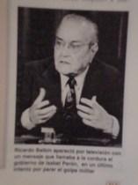 El dirigente del Partido Radical, Ricardo Balbín, hace un llamado por la vigencia de las instituciones democráticas.