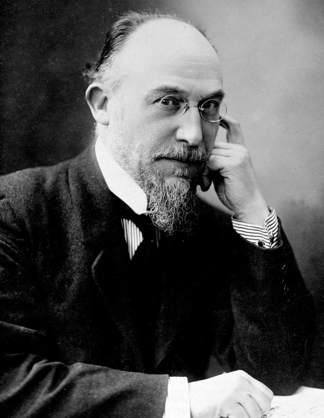 Erik Satie por Man Ray
