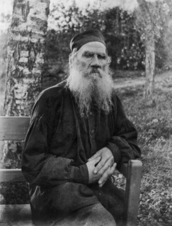 Tolstoi. 1897. El copyright de la fotografía ha caducado.