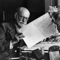 """Elisabeth Roudinesco:   """"Freud entendió la voluntad de autodestrucción humana"""""""