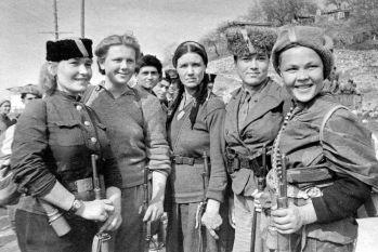 """Un rotundo """"no"""" a la guerra con voces de mujer"""