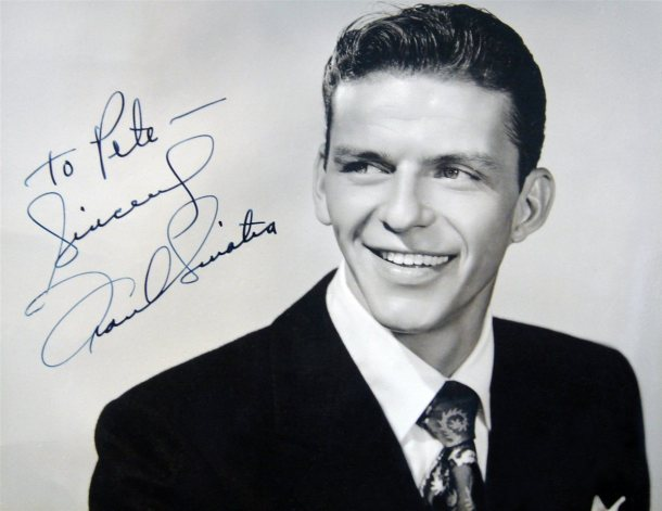 frank-sinatra-signed-photo-closeup-3