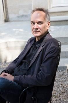 Hervé Le Tellier, la fascinación por las anomalías y las vidas ajenas