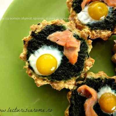 Tarte cu somon afumat, spanac si oua de  prepelita
