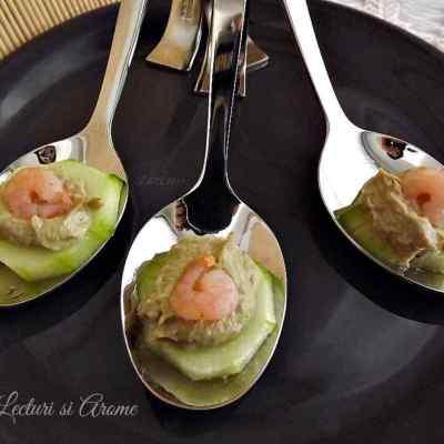 Aperitiv cu creveti si mousse de ton cu avocado