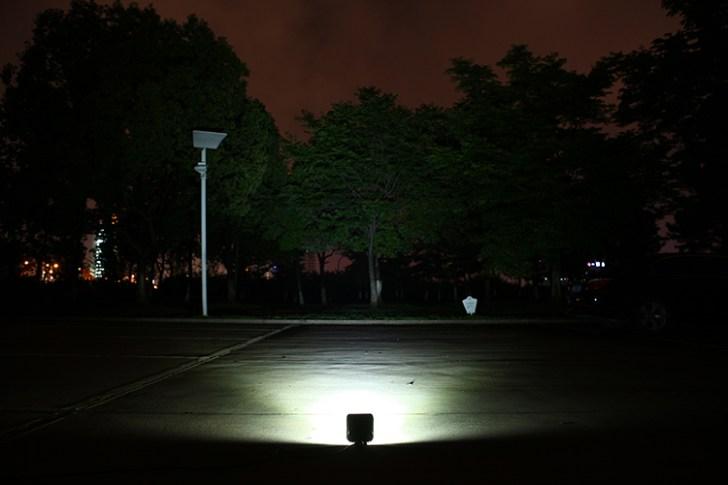 27w作業灯 正面照射写真