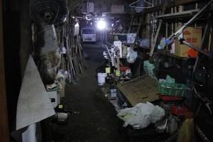 作業小屋 荷物置き場点灯写真