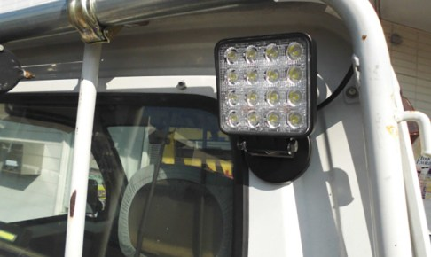 作業灯 ledマグネット 軽トラ設置事例