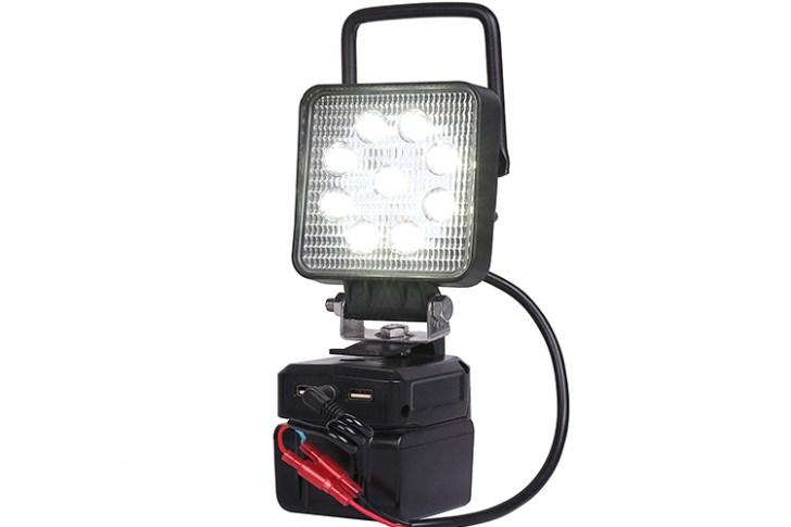 作業灯・持ち運び用取っ手設置時写真