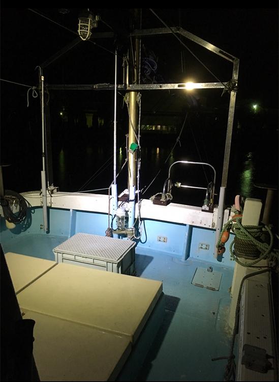 漁船・作業灯設置写真
