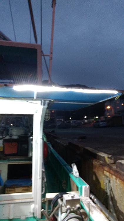 漁船・ledテープライト・夜間の様子